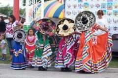 girls_with_sombreros